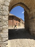 Northern Spain trip - 17th June- 4th July 2018 - Ureuna: Looking in from one of the wall entrances